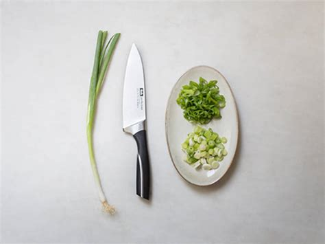 green onions how to cut steamed pork buns recipes kitchen stories