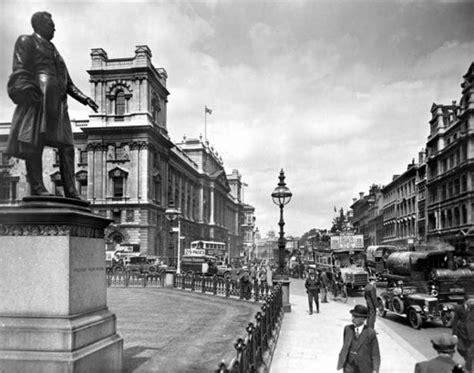 vintage everyday  photographs  london