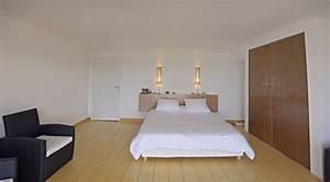 maison comtemporaine a azille chambre avec parquet massif With chambre avec parquet