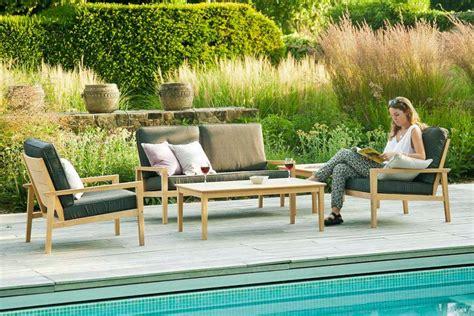 canapé jardin bois canapé lounge pour salon de jardin en bois avec coussin
