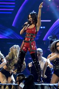 Becky Gs Hot Red Dress Slayed At Latin American Music