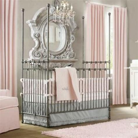 miroir chambre fille le grand miroir mural 25 idées pour d 39 arrangement et