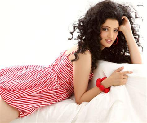 team bhima ad girl richa panai hot pics