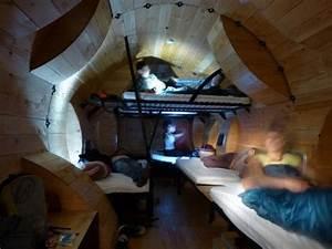 Le Bruit Du Frigo : home away from home le tronc creux outdoor shelter by ~ Nature-et-papiers.com Idées de Décoration