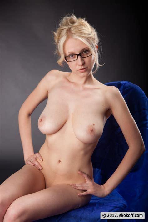 Blonde Teacher Posing Naked Wearing Just Her Glasses Pichunter