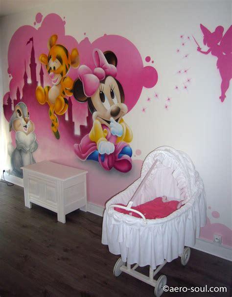 chambre bebe panpan décoration chambre enfant graffiti bébés disney