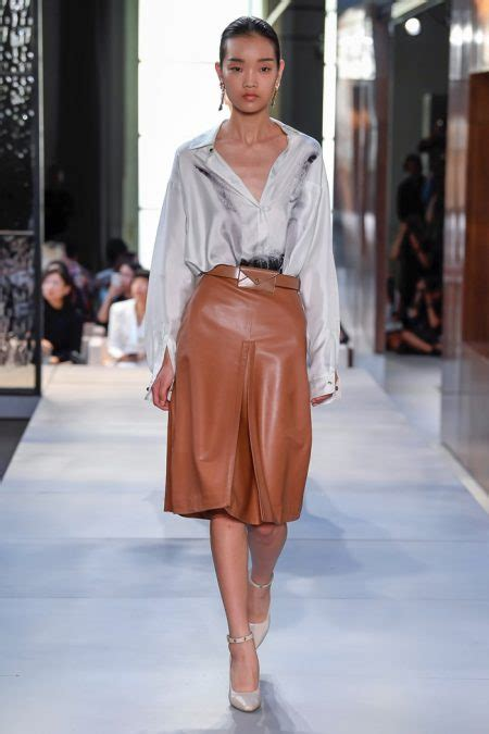 burberry spring summer  runway fashion  rogue