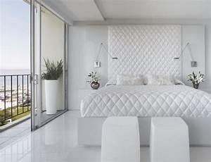Schlafzimmer In Weiß Einrichten : schlafzimmer schlafzimmer pur wei rautenmuster bettdecke ~ Michelbontemps.com Haus und Dekorationen