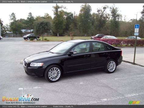 2011 Volvo S40 T5 by 2011 Volvo S40 T5 Black Umbra Calcite Leather Photo 4
