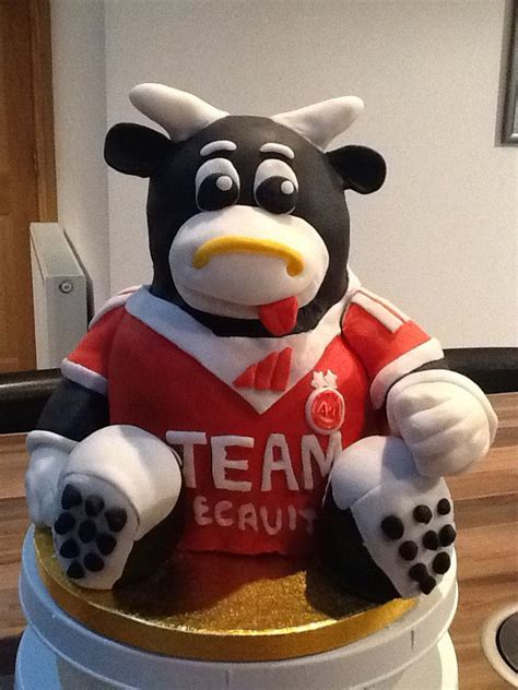 Aberdeen Football Club mascot, Angus the Bull cake, for my ...