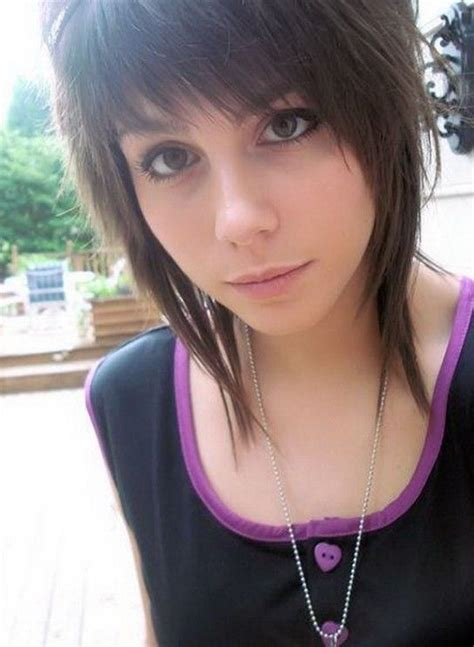 Cute Emo Short Haircut For Girls Reference Emo