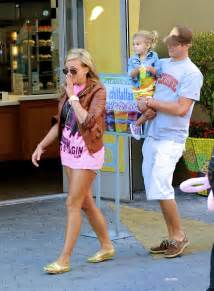 Jamie Lynn Spears – Denim Shorts Candids – With Family In ...