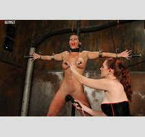 Hardbody Ariel X Punished By Busty Holly Wood Pichunter
