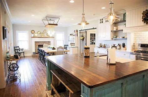 farmhouse style kitchen islands 26 farmhouse kitchen ideas decor design pictures 7166