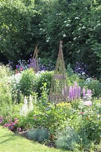 Cottage Garten Anlegen : pin von nuran balc zek in auf cottage garden pinterest garten ideen garten und cottage garten ~ Markanthonyermac.com Haus und Dekorationen