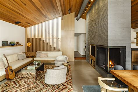 midcentury lakeside home receives