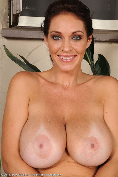 Alluring Milf Charlee Chase Flaunt Her Teets