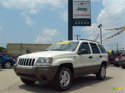 jeep laredo white 2004 stone white jeep grand cherokee laredo 4x4 31585096