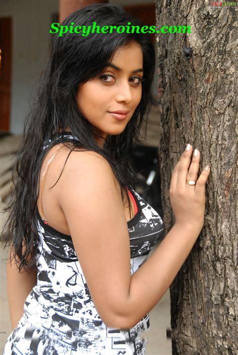 actress kiss fb hot navel kiss in saree all bollywood actress in saree