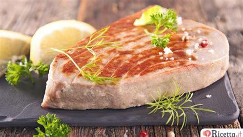 Come Cucinare Il Tonno Fresco Alla Siciliana Ricetta Bistecche Di Filetto Di Tonno Alla Siciliana