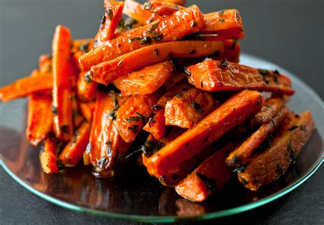 The taste of carrots in the roll is not felt, and the taste is tender, refined. Roasted Carrots With Parsley and Thyme Recipe - NYT Cooking