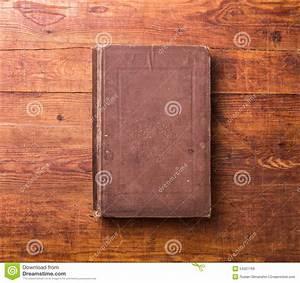 Foto Auf Holz Bügeln : leerer bucheinband des fotos auf holz stockfoto bild 54021769 ~ Markanthonyermac.com Haus und Dekorationen