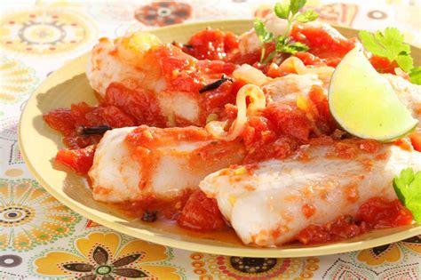 cuisines az poisson à la sauce tomate épicée cuisine az