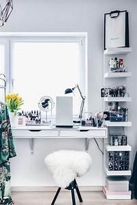 Coiffeuse Moderne Avec Miroir : rangement coiffeuse moderne pour un coin beaut qui fait r ver ~ Teatrodelosmanantiales.com Idées de Décoration