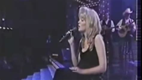 Watch A Young Leann Rimes Sing 'i'm So Lonesome, I Could Cry