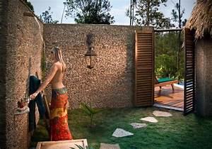 la douche de jardin pour les amoureux de la nature With marvelous habiller un mur exterieur en bois 10 parement et habillage de mur en gabion tendance gabion