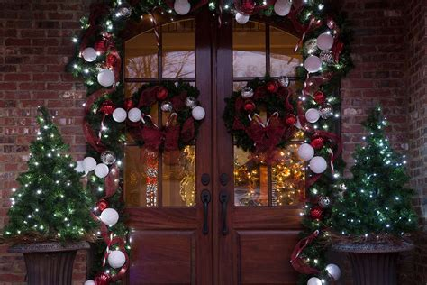 decorate  christmas greenery
