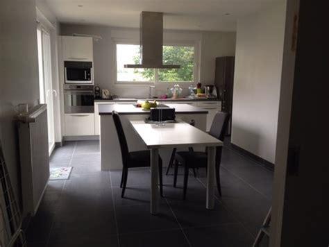 cuisine blanche sol gris quelle couleur de mur pour cuisine blanche avec sol gris