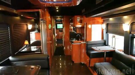 25+ Best Ideas About Tour Bus Interior On Pinterest
