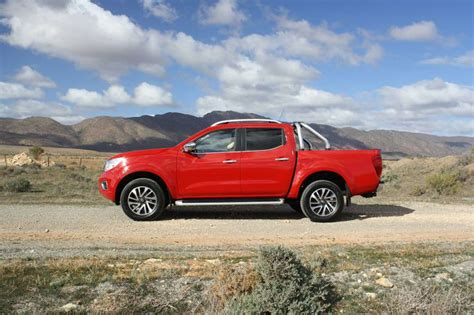 Nissan Navara Backgrounds by Nissan Navara 2018 Road Review St X Carsguide