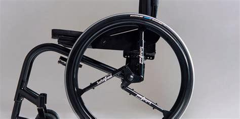 l invention de la roue antichoc pour fauteuil
