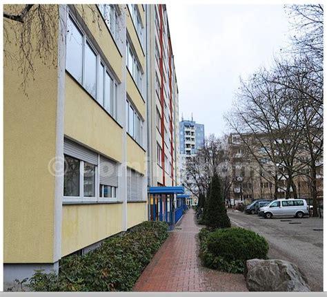 Biete Pkw Parkplatz  Nahe Kadewe (ab 0104) In Berlin