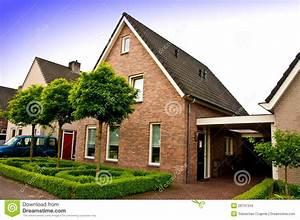 Haus Kaufen In Holland : privates haus in holland stockfoto bild von rasen privat 28731334 ~ Frokenaadalensverden.com Haus und Dekorationen