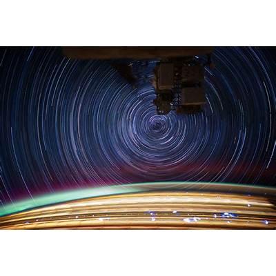 File:International Space Station star trails