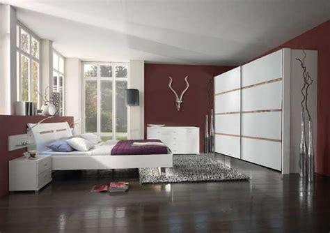 chambre prune et blanc chambre nikelly 10 photos