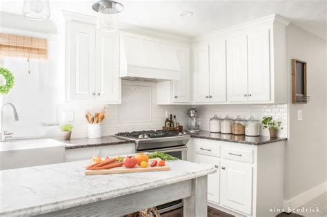 Painted Oak Cabinets by How To Paint Oak Cabinets And Hide The Grain Step By