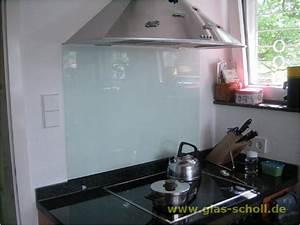 Spritzschutz Herd Glas : silbern lackiertes mastercarr als spritzschutz montiert hinter dem herd ~ Markanthonyermac.com Haus und Dekorationen