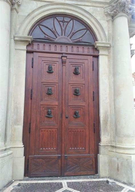 Strange Doors & Photo Thursday #194 Strange Doors