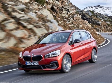 Bmw 2series Active Tourer (2019)  Picture 35 Of 40