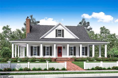 bedrm  sq ft southern home  wrap  porch