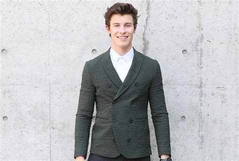 Shawn Mendes Goes To Sister Aaliyah's Graduation