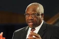 Clarence Thomas'writes majority ruling on states' sovereignty
