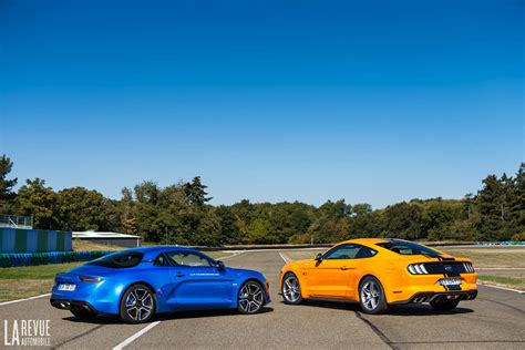 Alpine A110 Ford Mustang Gt Vergleich by Photo Comparatif Alpine A110 Vs Ford Mustang Interieur