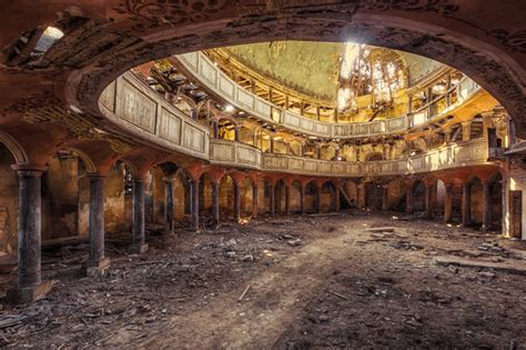 photographer finds abandoned buildings  europe