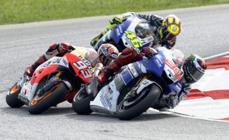 Update jadwal motogp 2020 terkait virus corona. Hasil MotoGP 2015 Terbaru: Lorenzo Geser Rossi di Puncak ...