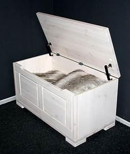 Sitztruhe Weiß Holz : massivholz truhe 84x45x43cm kiefer sitztruhe holztruhe w schetruhe wei lasiert ~ Markanthonyermac.com Haus und Dekorationen